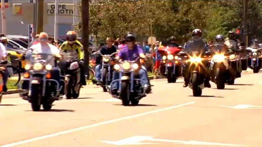Nicky Hayden'ın cenazesine 2,000'den fazla motosikletli katıldı