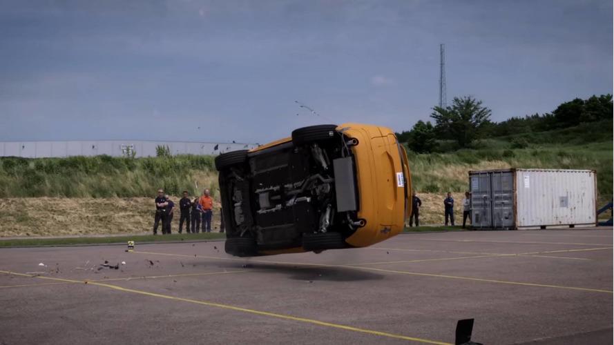 Este vídeo do Volvo XC60 capotando te fará torcer para todo carro ser assim