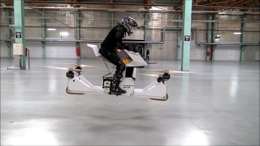 Hoversurf adlı firma uçan motosiklet geliştirdi