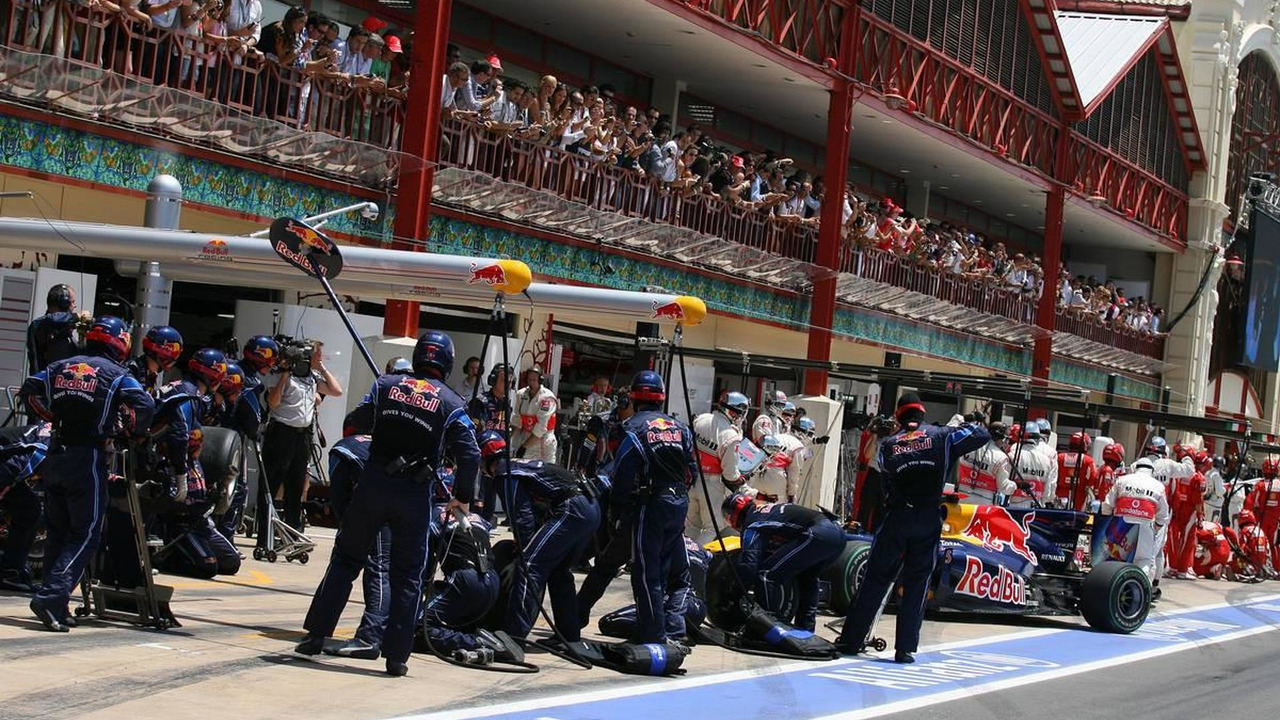 Formula 1 World Championship, Rd 9, European Grand Prix, pit lane