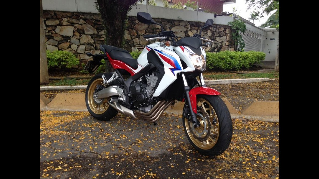 Honda exibe CB 1000R Barracuda, que chega em 2015, no Brasil Motorcycle Show