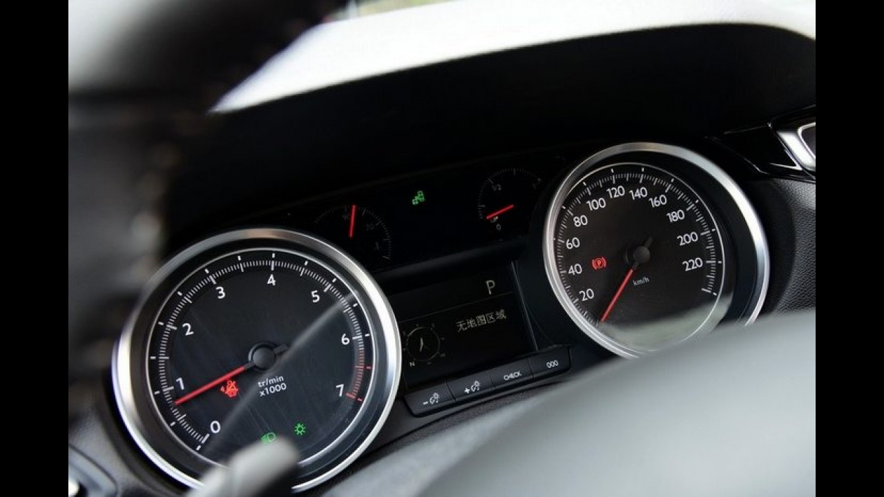 Novo Peugeot 408: veja as primeiras fotos do interior