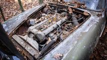 Bu Aston Martin DB4, son 45 yılını ormanda geçirdi