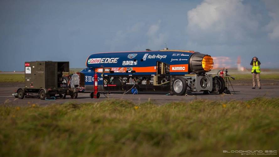 Bloodhound speed record car hits 200mph in first public run
