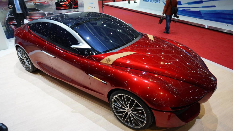 Alfa Romeo Gloria concept shows its curvy lines in Geneva