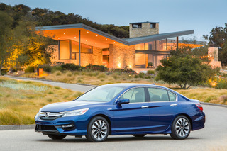 2017 Honda Accord Hybrid Blends Sedan Sensibility With NSX Tech: First Drive
