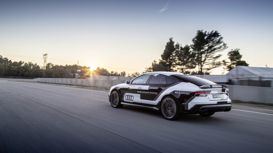 Audi RS 7 piloted driving concept sets a lap record at the Parcmotor track [video]