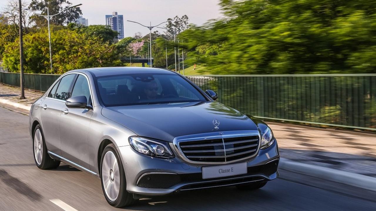 Sedãs de luxo mais vendidos – CLA impulsiona liderança folgada da Mercedes Recall-classe-e