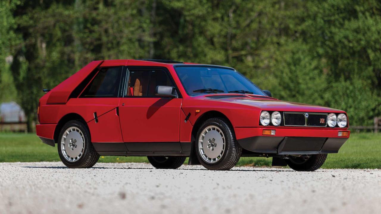 1985 Lancia Delta S4 'Stradale'