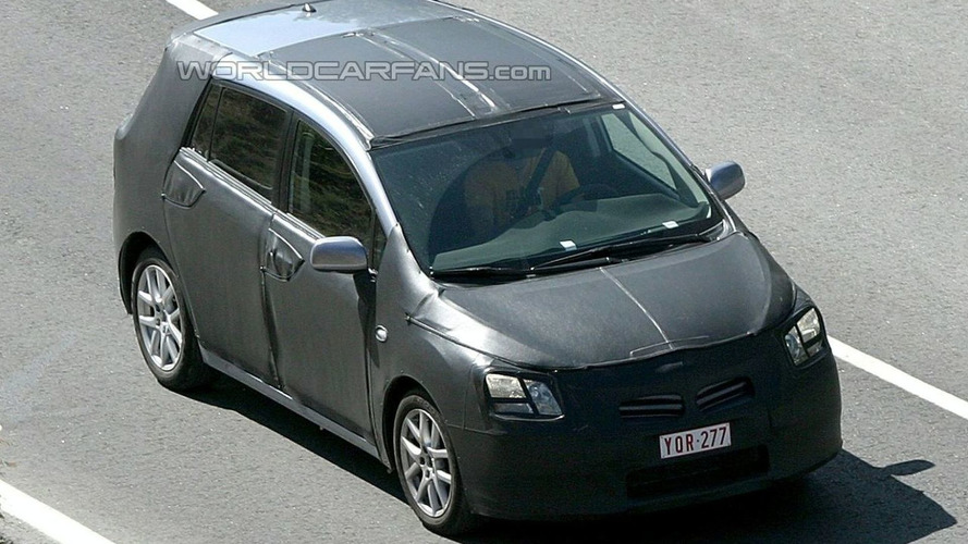 Toyota Verso Spied