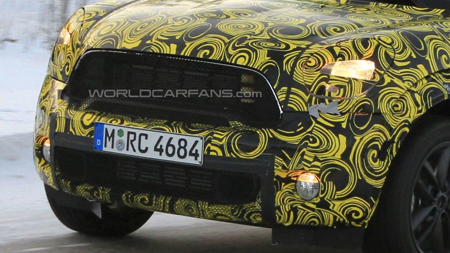Mini Countryman/Crossman Caught with New Headlight Design