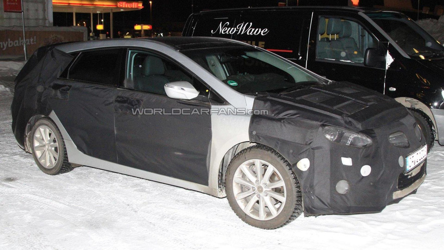 2012 Hyundai i40W (wagon) spied with interior undisguised