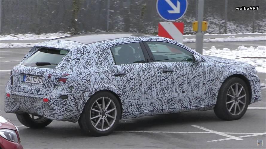Kupé változat is készülhet az új Mercedes-Benz GLA-ból