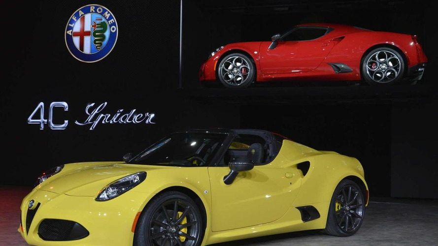 Alfa Romeo 4C Spider drops its top in Detroit