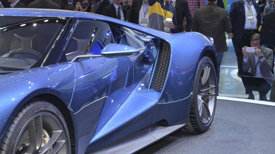 Up close and personal video with Ford GT in Detroit