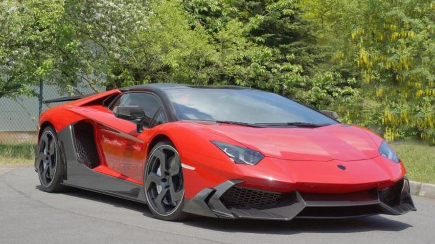 Lamborghini Aventador gets carbon body kit from Mansory
