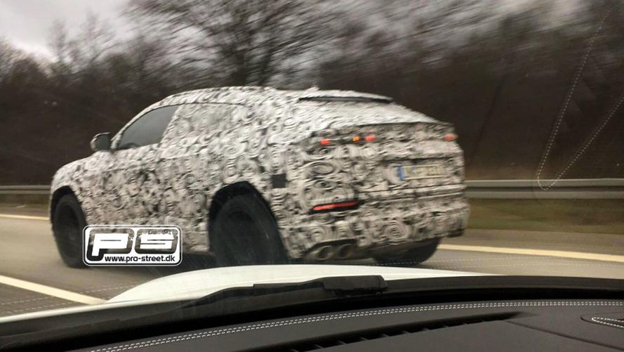 2018 Lamborghini Urus SUV prototipinin ilk casus fotoğrafları
