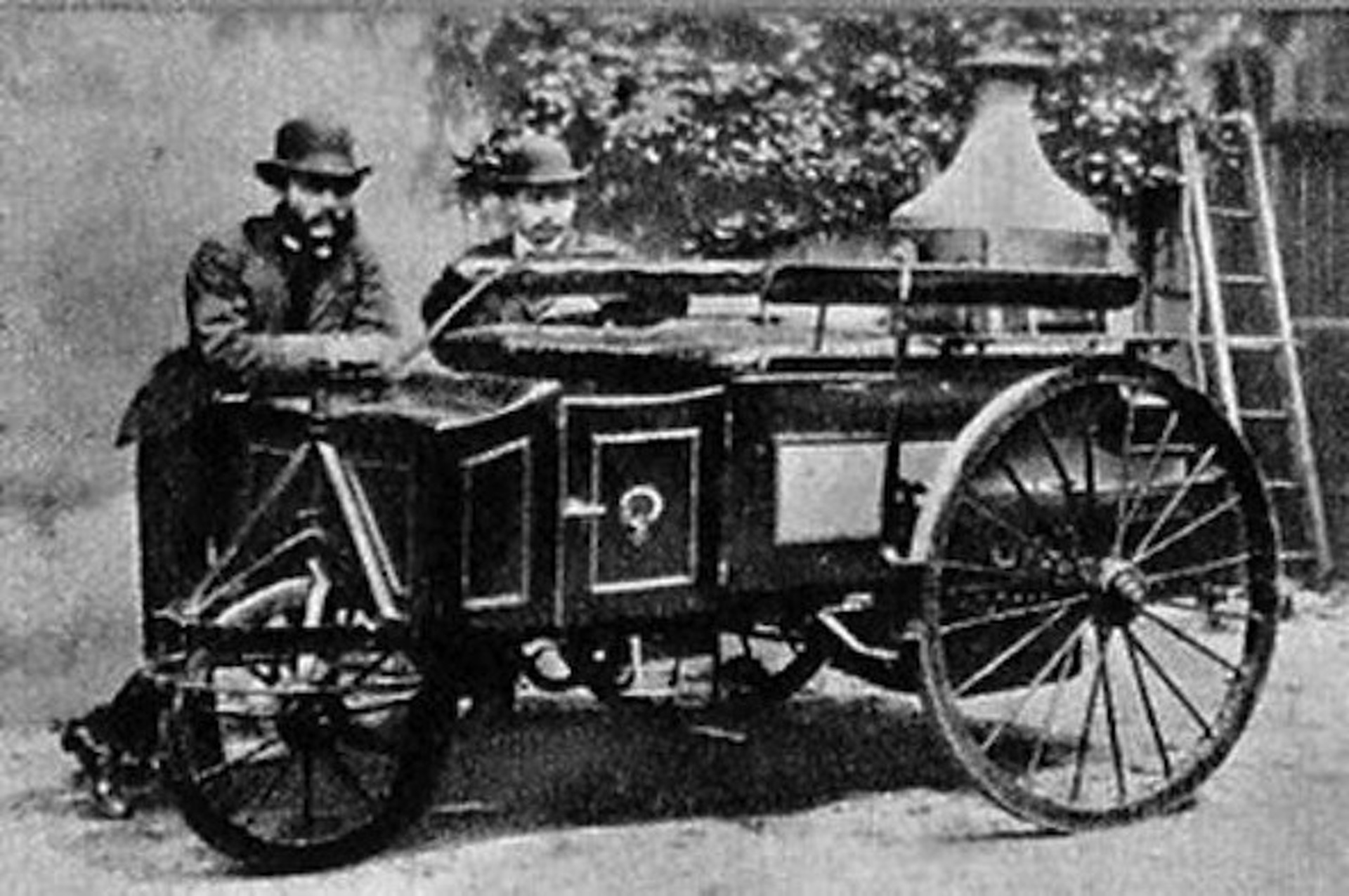 essays about electric trolley cars in the 19th century But by the late 19th century cable cars and electric  mid 19th century provided  the birth of the streetcar suburb the early trolley allowed .