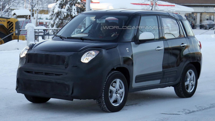 Jeep Jeepster / Fiat 500X mule spied in Scandinavia