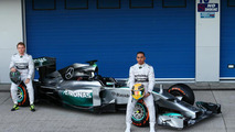 Three more new F1 cars revealed, Caterham launch delayed