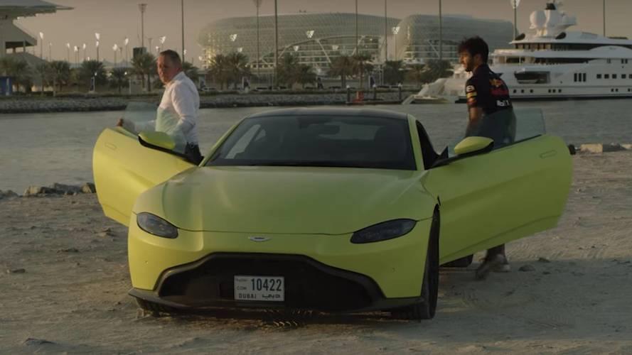 Daniel Ricciardo teste l'Aston Martin Vantage et parle de la Valkyrie