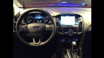 Ford Focus 2017 estreia SYNC 3 com Apple CarPlay e Android Auto