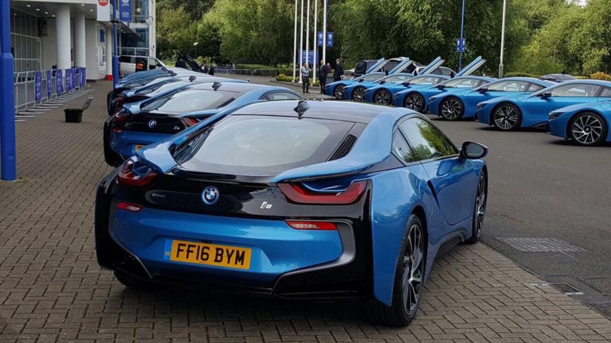 Leicester City oyuncularına hediye olarak BMW i8 verildi