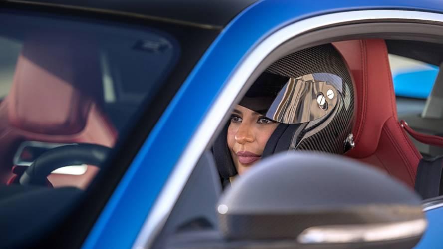 Al Hamad celebra el fin de la prohibición de conducir para las mujeres