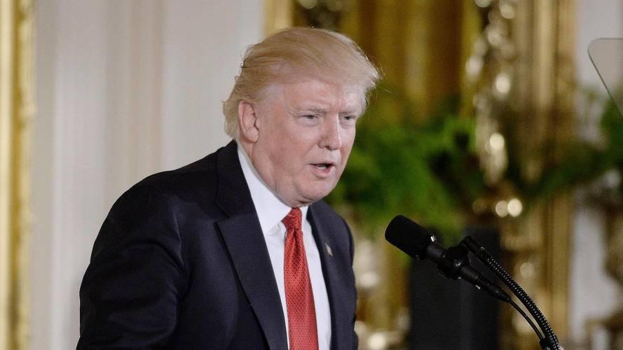 """Trump: """"I dazi cinesi sulle auto dagli USA sono stupidi"""""""