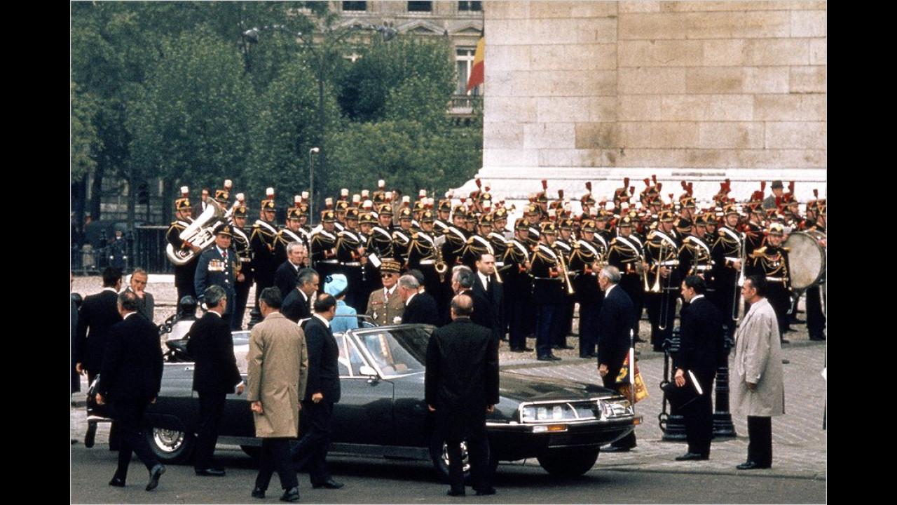 Georges Pompidou war der Nachfolger de Gaulles als Staatspräsident. Hier ist er 1972 an der Seite der Queen im offenen Citroën SM zu sehen.
