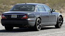 Jaguar XJ Mule Spied Again
