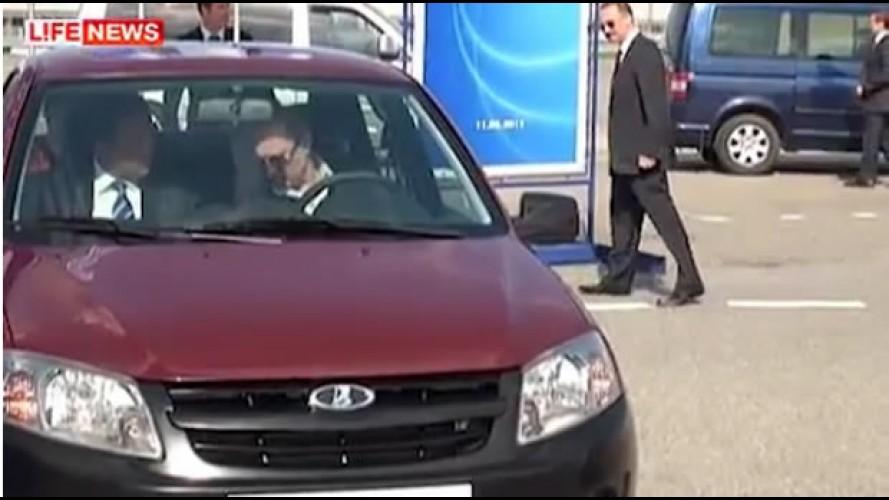 Meu Lada Falha: Primeiro-Ministro da Rússia sofre para ligar o Novo Lada Granta