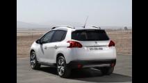 Peugeot 2008: reveladas as primeiras fotos internas - SUV será fabricado no Brasil em 2014
