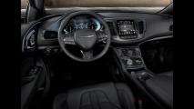 México: novo Chrysler 200 com câmbio de nove marchas custa R$ 56 mil