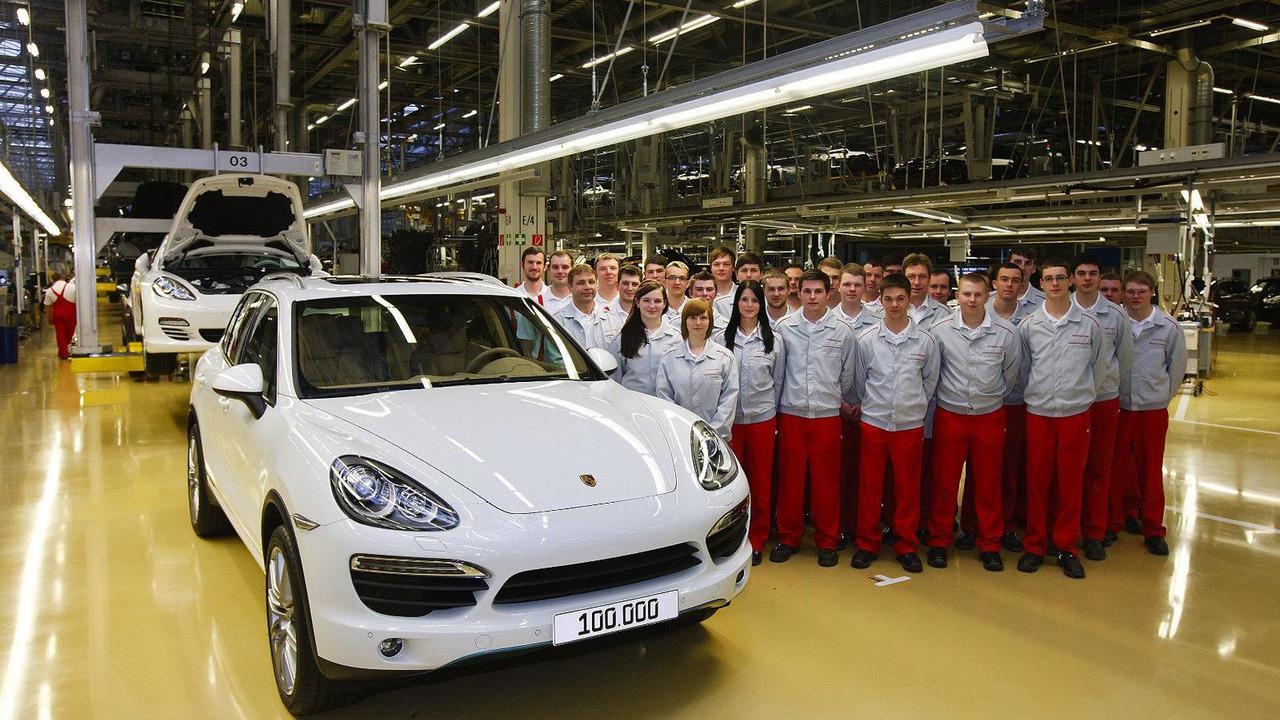 100,000th generation II Porsche Cayenne rolls off production line 19.01.2012
