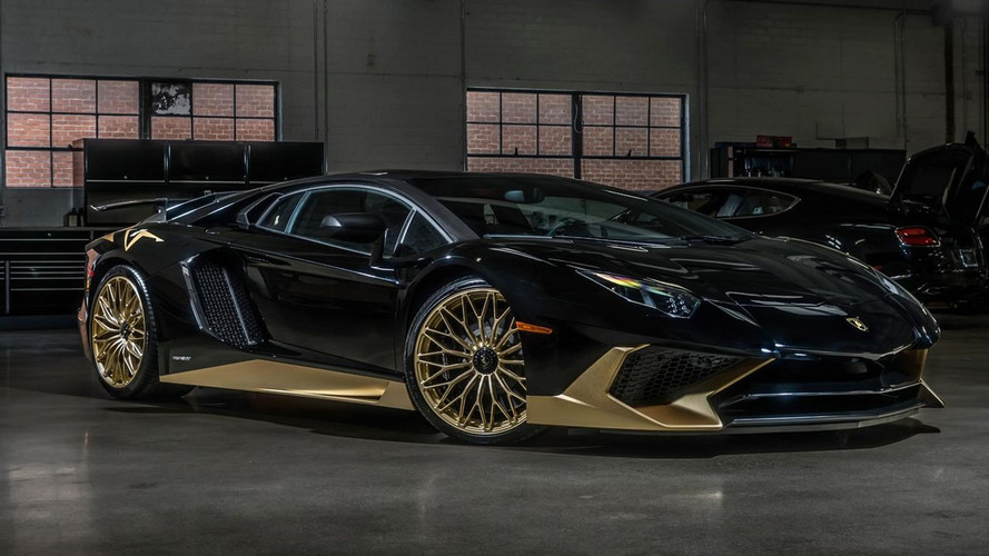 Cette Lamborghini Aventador SV est du genre Bling-bling !