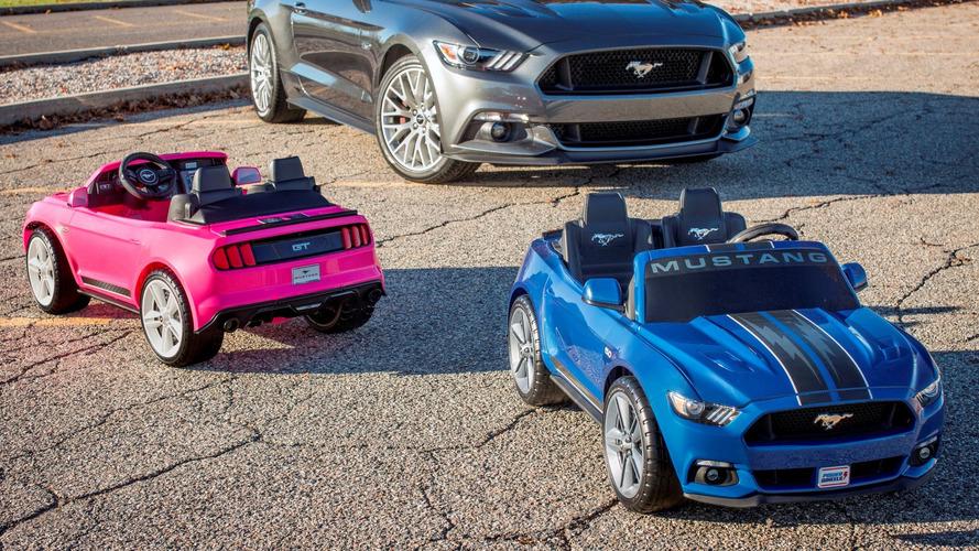 Ford Mustang para crianças tem até controle de tração e estabilidade