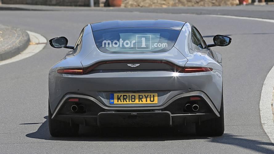 Aston Martin Vantage S Casus Fotoğrafları