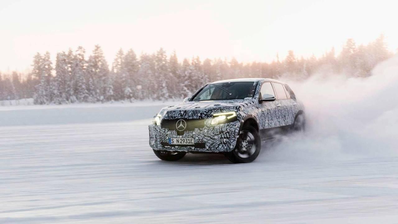 14.- Mercedes-Benz EQC 2018