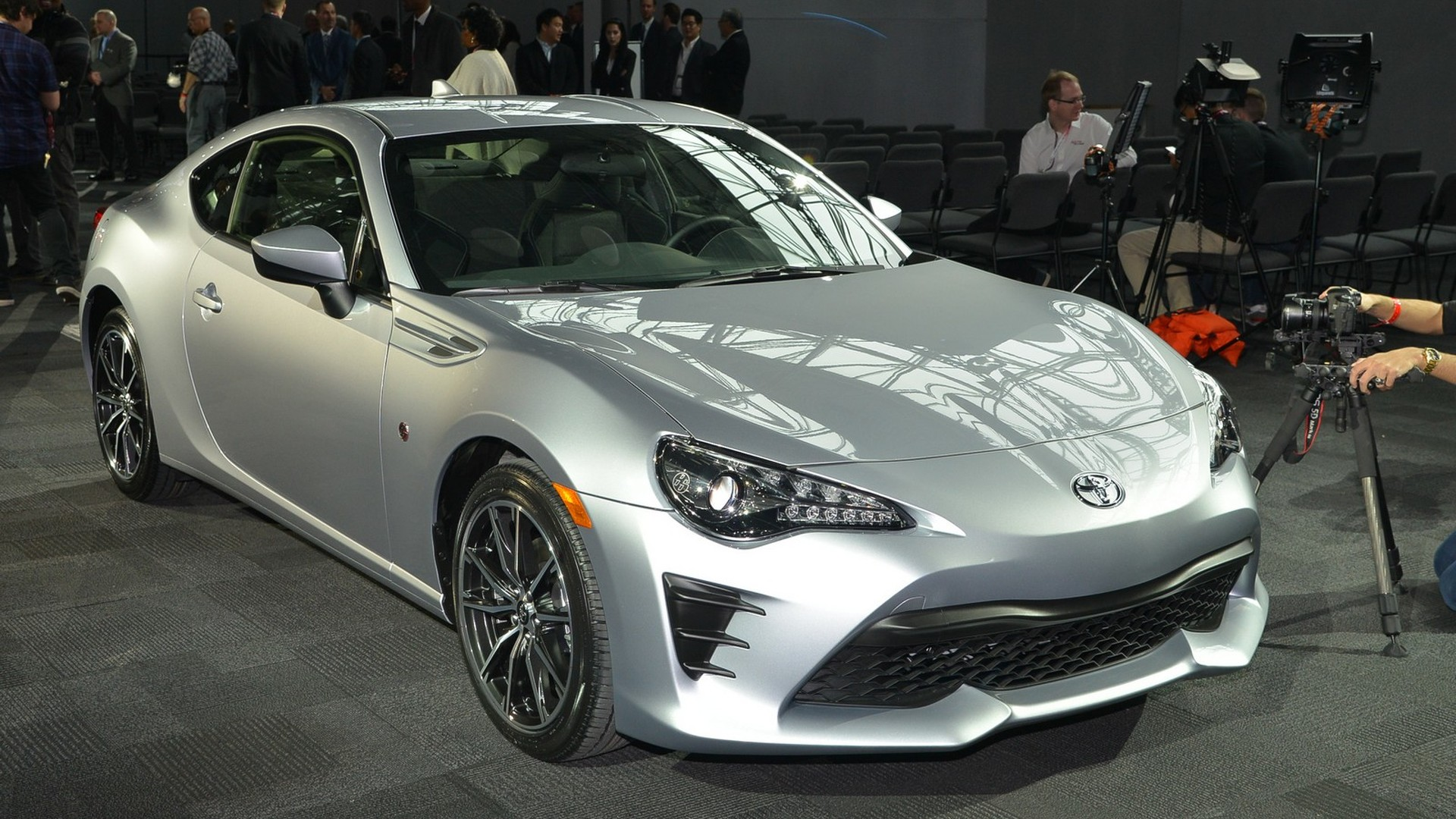 2017 toyota 86 marks the end of the road for the scion fr s. Black Bedroom Furniture Sets. Home Design Ideas