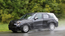 2017 Alfa Romeo crossover test mule spy photo