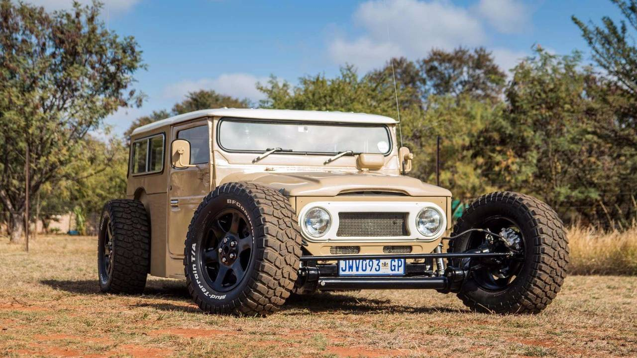Toyota Land Rover FJ40 Hot Road