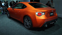Toyota GT 86 roars into Tokyo