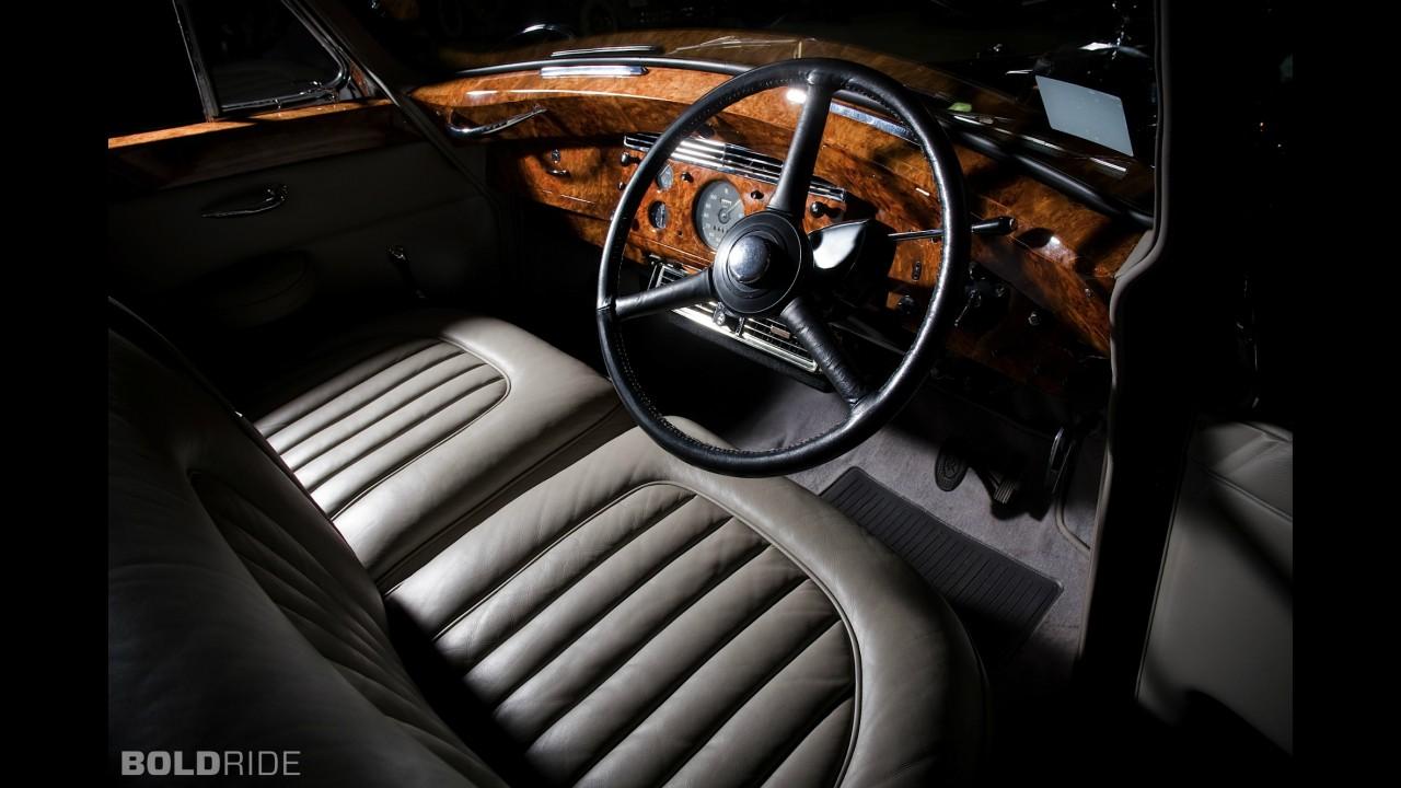 Rolls-Royce Silver Wraith Empress Limousine by Hooper