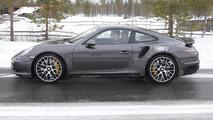 Porsche 911 Turbo S facelift spy photo