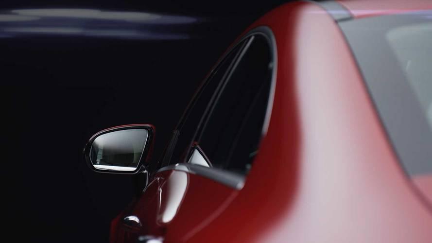 Mercedes CLS videosu kıvrımlı gövdeyi gösteriyor