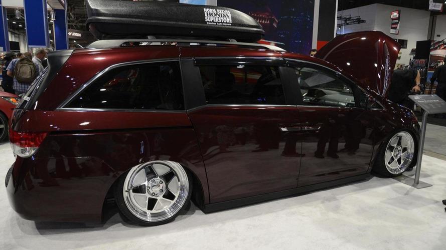 Bisimoto Honda Odyssey packs a 1029 hp punch at SEMA