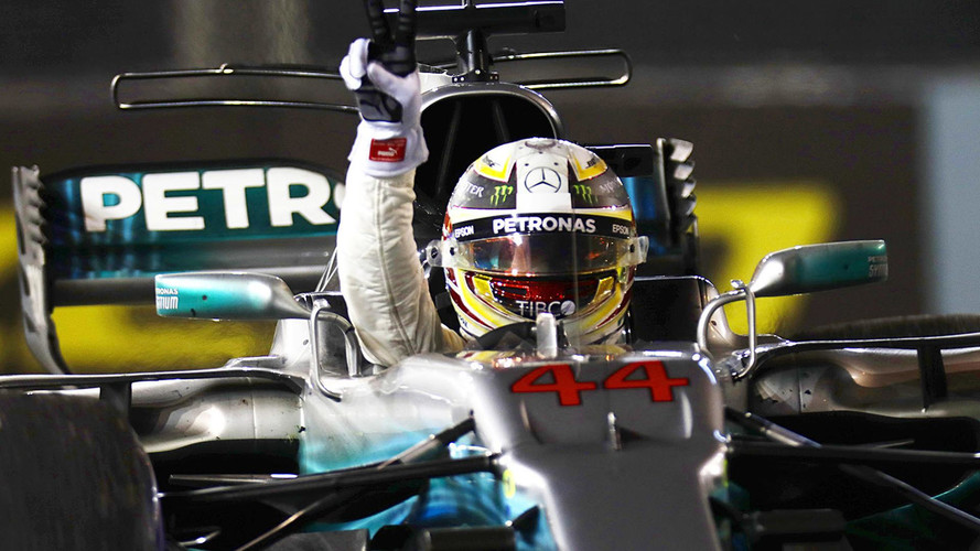 F1 Singapore GP: Hamilton Wins After Ferrari Disaster