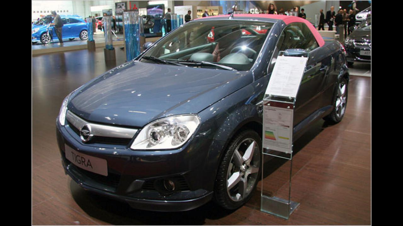 Optische Täuschung: Das Blechdach des Opel Tigra Twintop Illusion wirkt wie aus Stoff gefertigt