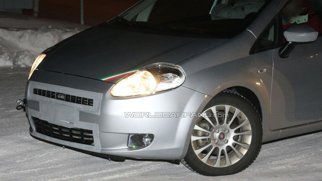 Fiat Grande Punto facelift spy photo